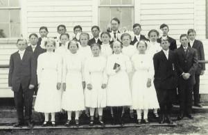 1911 Confirmation class, Zion Lutheran Chatt. Clarence Becher far left row 2.