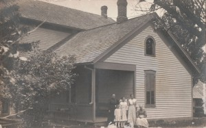Becher home west of Chatt, 1914. L to R: Rosa (Schlenker) Becher, Martha Becher, Freda Becher, Carrie Becher, Anna Maria (Becker) Becher. Photo courtesy of Dorothy Jean (Leininger) Hellworth.