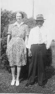 Carrie (Becher) & Ted Leininger, 1943.