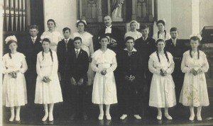 Zion Lutheran Chatt 1917 Confirmation Class. Louise Becher: front row, middle. [1]