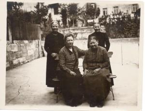 Left to right, front: Barbara, Rosine; back: Margarete, Regina.