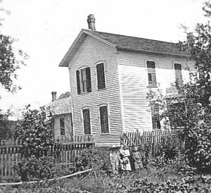 John Scaer home east of Willshire, c1904. Willie, Elsie, Hilda, Edna Scaer.