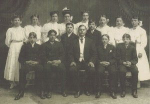 1907 Zion Chatt Confirmation class. Edward J Kuehm seated at far left. Rosa Kuehm standing 5th from left.