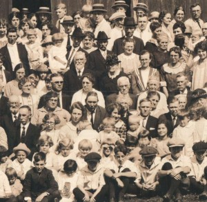 The first Schumm reunion, 1924.