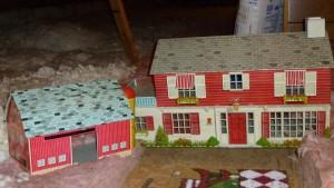 Metal doll house and barn.