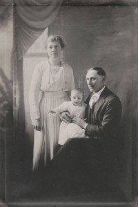 Charles C., Edna, and Don Abnet, c1919.