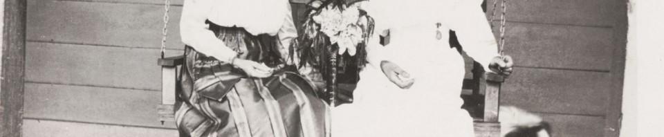 Sisters Hilda & Edna Scaer.