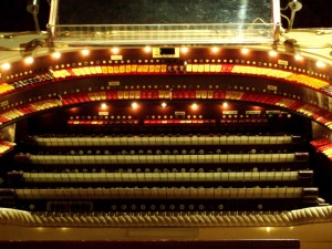 Page theatre pipe organ, Embassy Theatre, Fort Wayne, Indiana. (2011 photo by Karen)