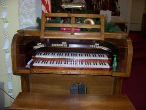 Zion Chatt's Page pipe organ. (2007 photo by Karen)